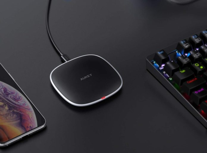 _AUKEY Wireless Charger Qi Certified-min (1)