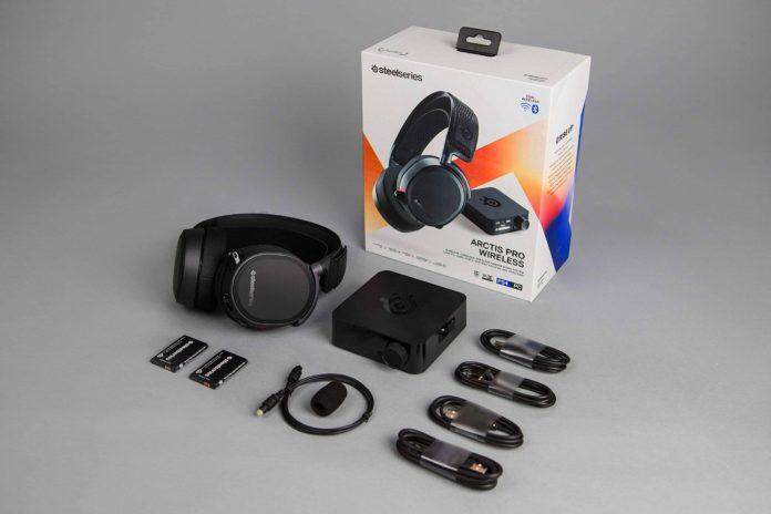 SteelSeries Arctis Pro Wireless Gaming Headset-min (1)