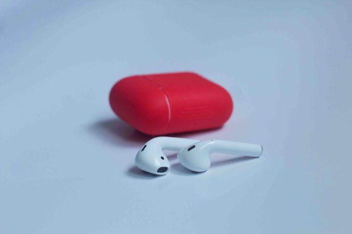 Apple AirPods 2 Deals Appletech-min