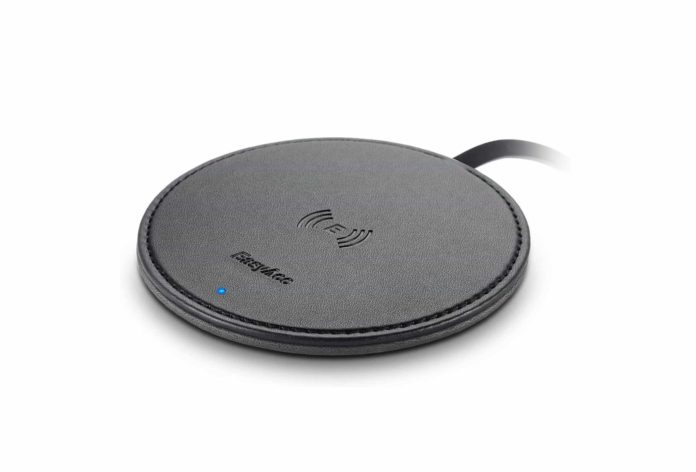 EasyAcc Fast Wireless Charger Pad-min (2)