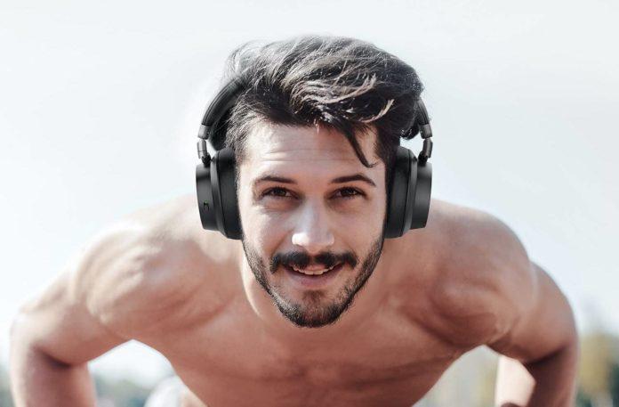 Utaxo Bluetooth Headphones -min (2)