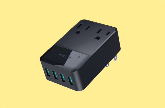 AUKEY Wall Charger with 2 Outlets and 4 USB Ports 30W USB Charger -min