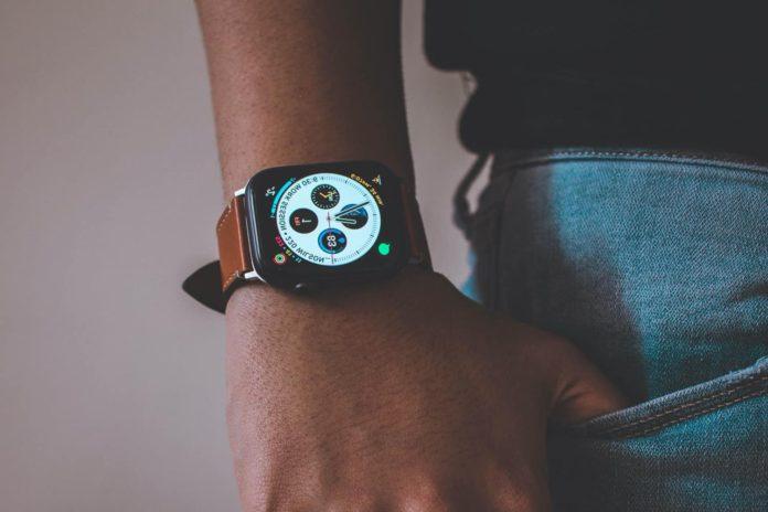 Apple Watch Series 4 Deals Amazon -min