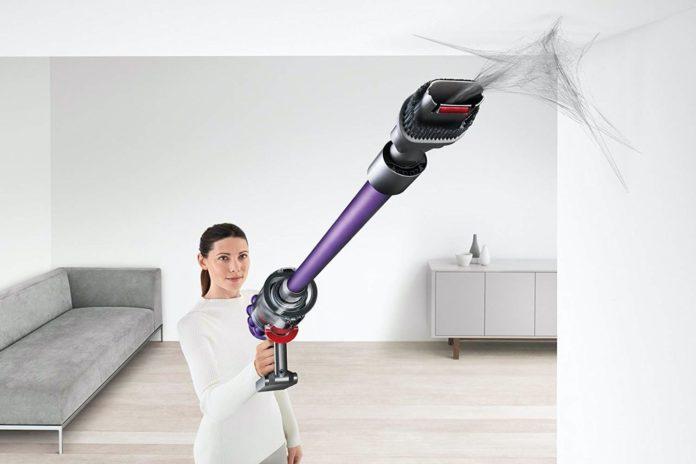 Dyson Cyclone V10 Animal Lightweight Cordless Stick Vacuum Cleaner -min