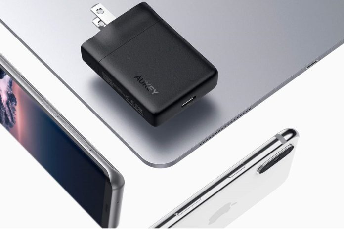 AUKEY USB-C Charger-min