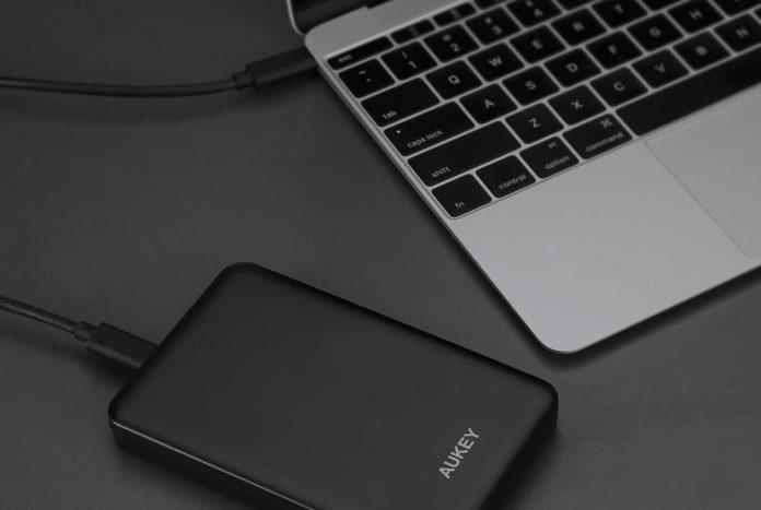 AUKEY 2.5 USB C Hard Drive Enclosure USB 3.0 to SATA III Type C External Hard Drive