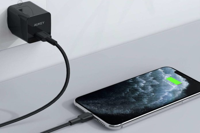 AUKEY USB C to Lightning Cable