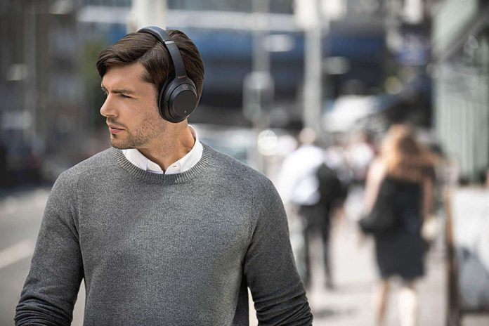 SONY WH-1000XM3 Wireless Noise canceling Stereo Headset-min