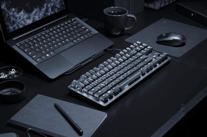 BlackWidow Lite Mechanical Tenkeyless Keyboard-min