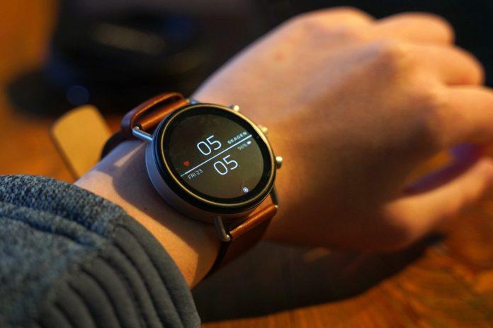 Fossil Men's Gen 4 Explorist HR Stainless Steel Touchscreen Smartwatch-min