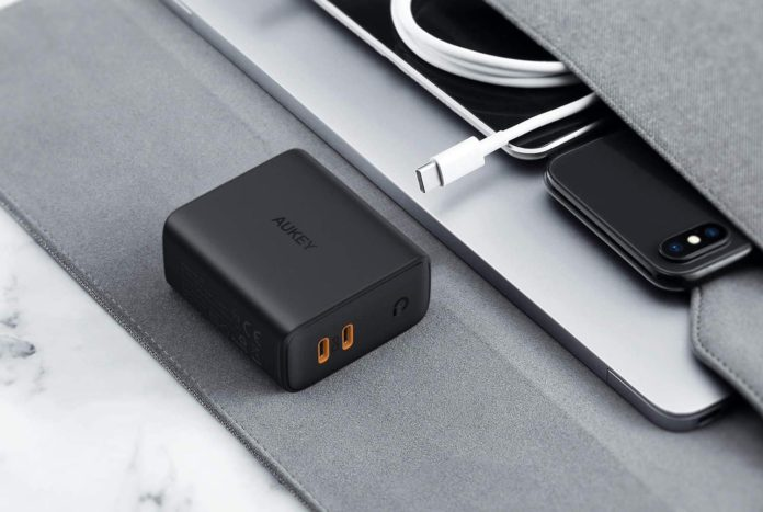 USB C Charger AUKEY 36W Fast Charger-min