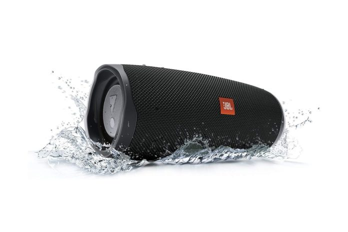 JBL Charge 4 Waterproof Portable Bluetooth Speaker-min