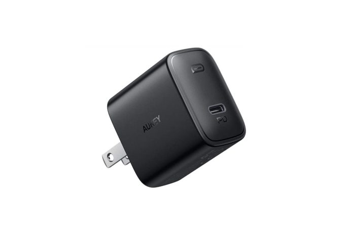 AUKEY 18W Fast Charger with Foldable Plug & Power Delivery 3.0