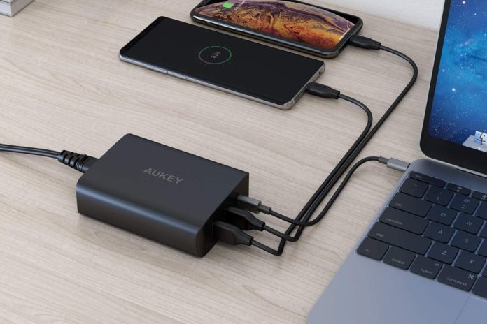 AUKEY 72W 3-Port Fast Charger-min