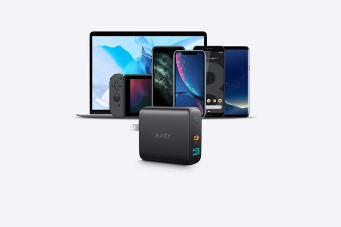 AUKEY USB C Charger 30W Power Delivery 3.0 Fast Charger