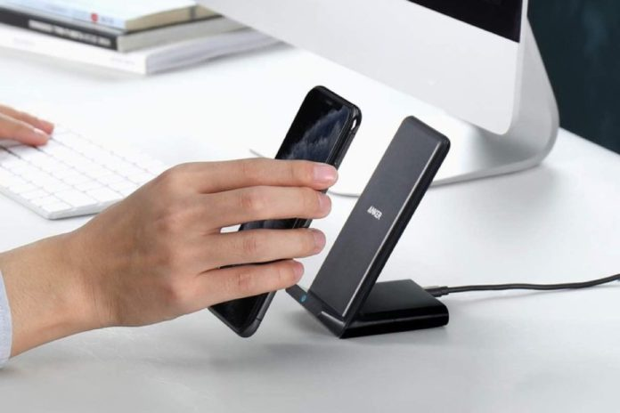 Anker PowerWave Stand Wireless Charger