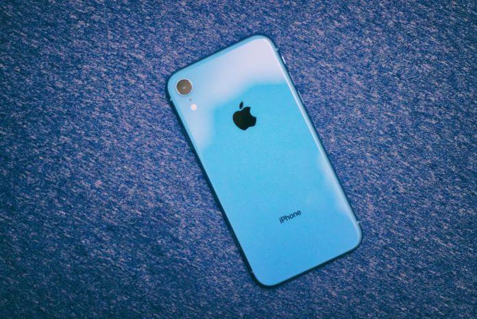 iPhone XR-min