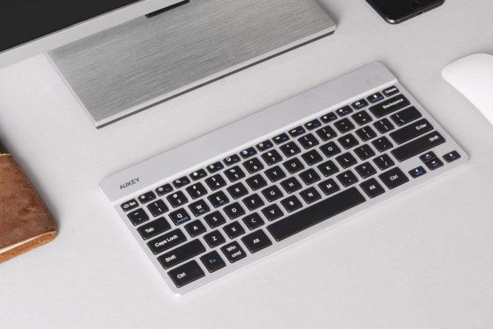 AUKEY Bluetooth Keyboard-min