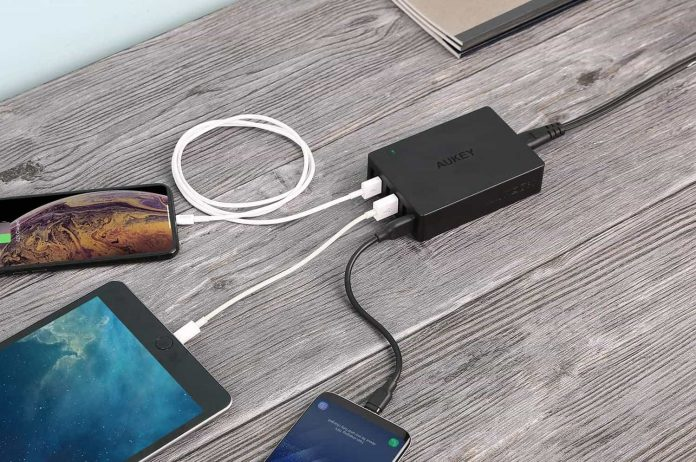 AUKEY Quick Charge 3.0 6-Port USB Wall Charger-min