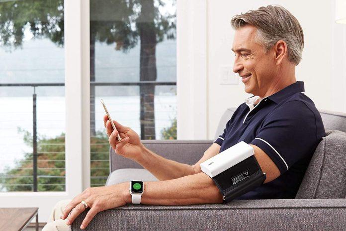 QardioArm Wireless Blood Pressure Monitor-min