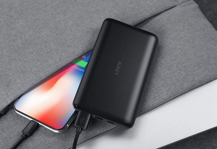 _AUKEY USB C Power Bank, 10000mAh-min