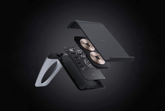 AUKEY Wireless Charger Stand