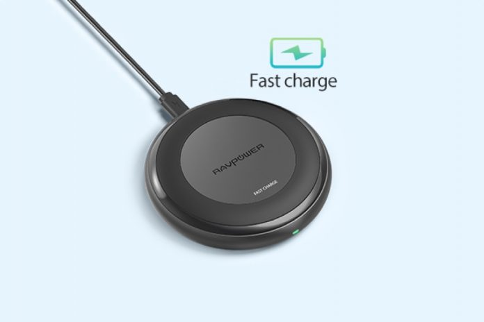 RAVPower Fast Wireless Charger 10W Max with QC 3.0 Adapter