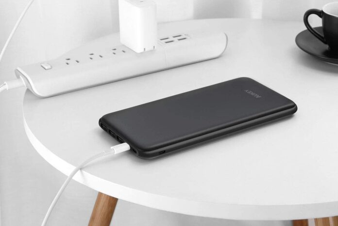 AUKEY USB C Power Bank, 20000mAh