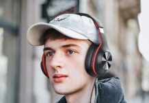 iClever HS18 Over Ear Headphones with Microphone