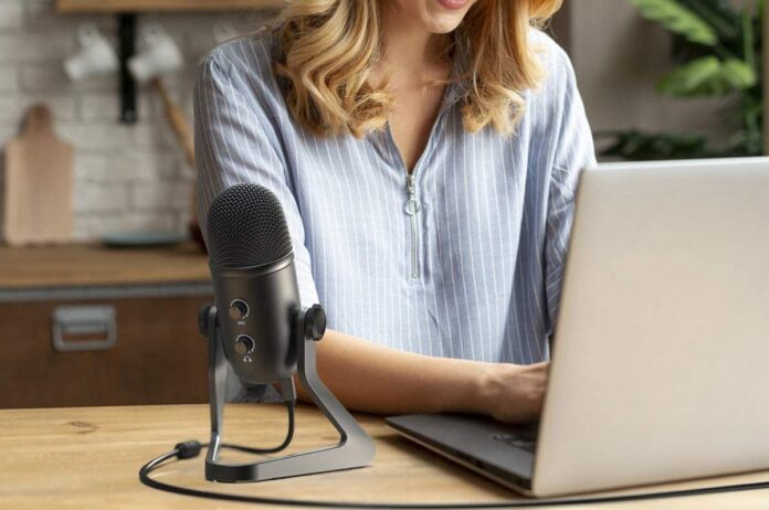 FIFINE USB Podcast Microphone