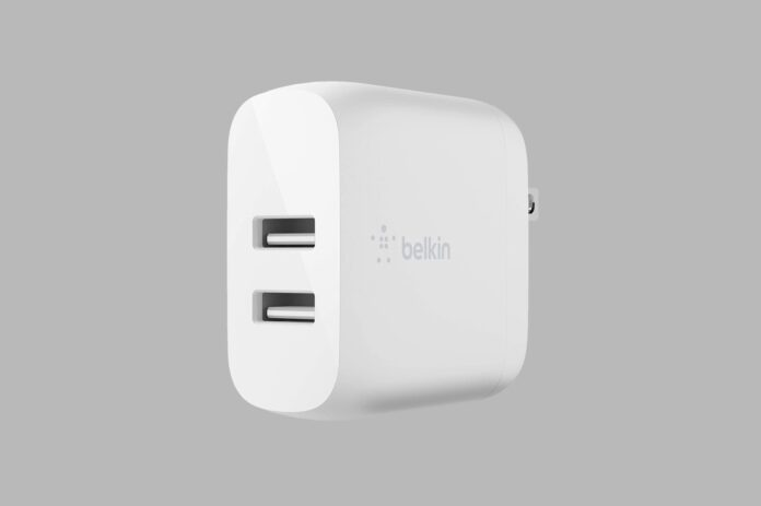Belkin Dual USB Charger 24W + Lightning Cable
