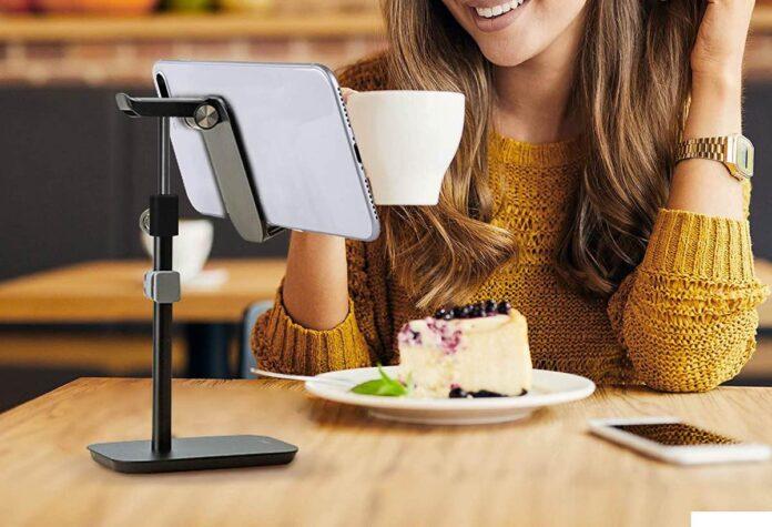 Kavalan Height & Angle Adjustable Aluminum Smartphone & Headset Stand
