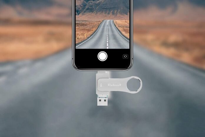 Richwell USB Flash Drive for iPhone