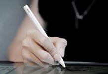 Uogic Pen for iPad with Palm Rejection and Magnetic Attachement