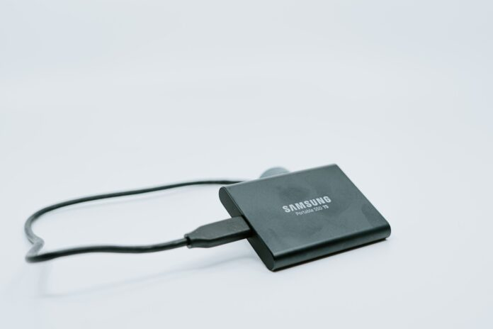 SAMSUNG T5 Portable SSD 2TB