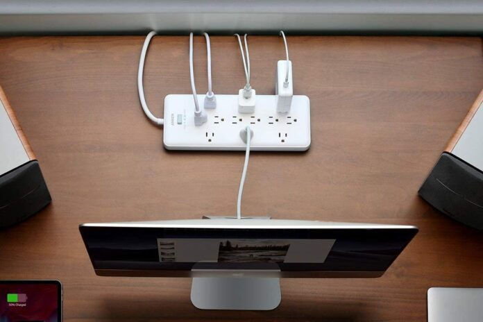 Anker PowerExtend Strip 12 Outlets with Flat Plug