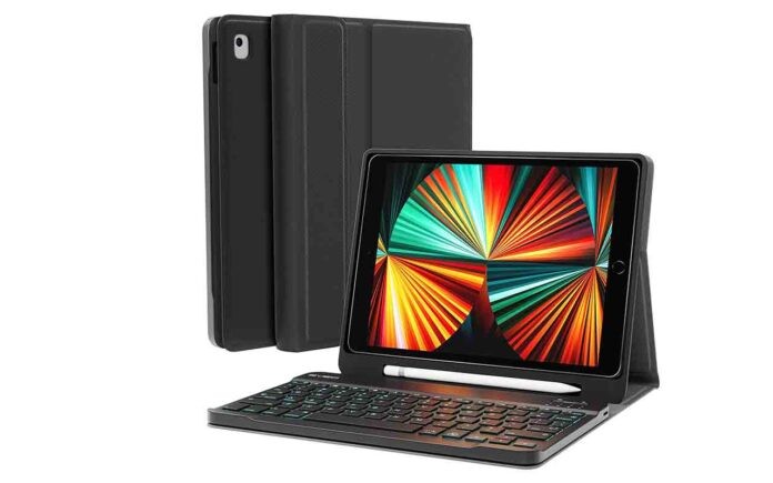 EVEO 10.2'' 8th Gen iPad Case with Keyboard
