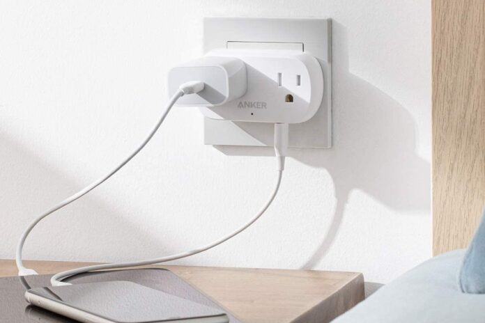 Anker Outlet Extender with USB Wall Plug