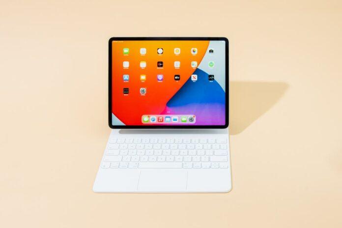 Apple Magic Keyboard (for iPad Pro 12.9-inch - 5th Generation) - US English- White
