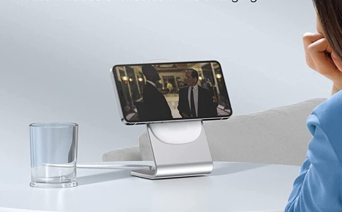 ICHOETECH 2-in-1 Charging Stand with 20W PD USB C Wall Charger
