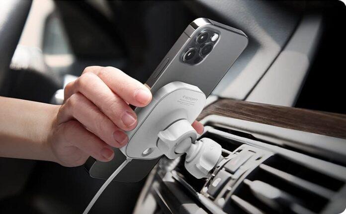 Spigen Mag Fit Phone Holder Car Mount